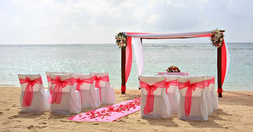 Den Bund Der Liebe Durch Eine Hochzeitszeremonie Besiegeln