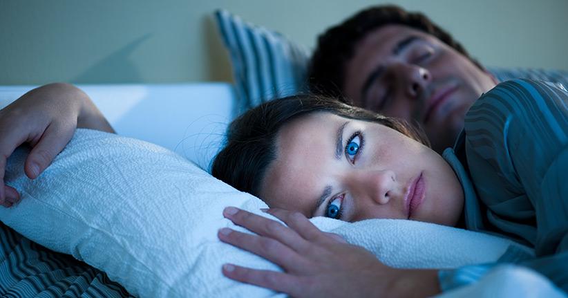 warum hà ufiges aufwachen in der nacht ungesund ist